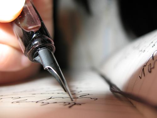 Scrivere...